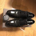【肉体検証】黒の革靴を茶色のクリームで磨いてみた!